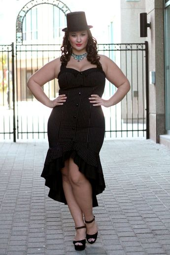 Plus Size Vintage Clothing to Dress up Chubby Women