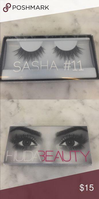 e8de2705208 NIB Huda Beauty Classic Lash Sasha #11 Criss-crossed double stacked lashes  for dramatic