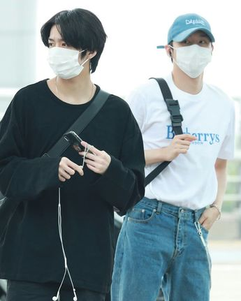 Incheon airport, our fashion boys👀 . . follow @monstaxx_pics .  monsta_x  monbebe  MONSTAX  HYUNGWON  CHANGKYUN  monstaxchangkyun  monstaxhyungwon  koreanboy  koreanfashion  koreanstyle  shownu  jooheon  kihyun  wonho  minhyuk  kpop  idol  kpopboy  kpopairportfashion
