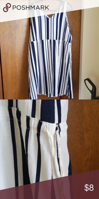 Navy-white dress Classy Navy/White slimming dress that ties at sides Sophie Rue Dresses Midi