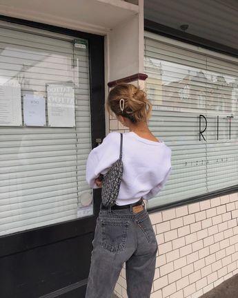 JESSICA ALIZZI (@jessalizzi) • Instagram photos and videos #fashion #style #outfits #denim #blouse #blackjeans #blonde