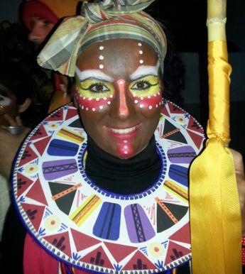Carnaval: maquillaje y atrezzo de Masai