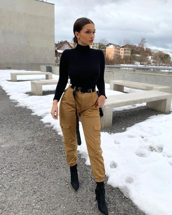 """Get Into This Style on Instagram: """"Kim Possible vibes ❄️😍😍 @fiiona.mo • Follow @getintothisstyle for more and tag #getintothisstyle • #novababe #instafashionista…"""""""