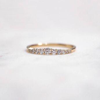 Graduated Diamond Ring,Diamond band, Wedding band, Diamond ring, Wedding Ring, 14k Gold Ring, stackable rings, dainty rings, minimal rings