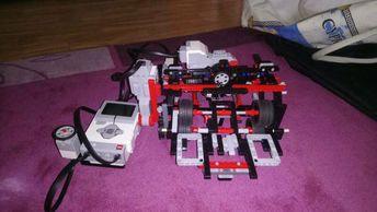 Hallo,Du liebst es zu Programmieren? Du kennst dich mit dem Modellen vom Lego Mindstorms Ev3, Lego Nxt und RCX aus? Dann ist diese Gruppe genau richtig für dich!Wir suchen Leute aus der Umgebung, die gerne beim First Lego league mitmachen wollen.Wer also Interesse hat, soll sich unter folgender Nummer bei mir melden: 49 1590 587 0149Achtung :Da die Teilnahme am First Lego league sehr teuer ist, ist der Preis 28€ und kann daher nicht geändert werden!