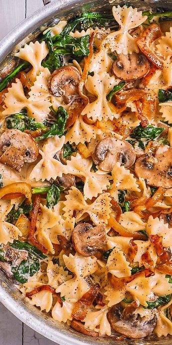 Creamy Farfalle with Spinach, Mushrooms, Caramelized Onions