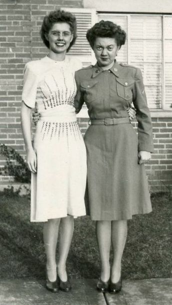 359ae18355b3 1940s Photo of 2 Women in stunning 40s Dresses. Awesome Vintage Photo  1940s