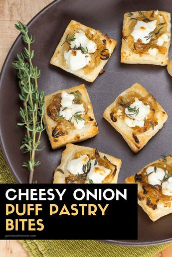Wow your guests this holiday season with these warm Cheesy Onion Puff Pastry Bites. #appetizers #parties #holidays