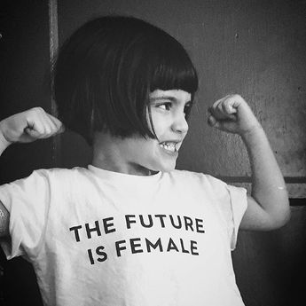 ❤️The future is for everybody, but it sure feels like lots of good is coming our way. Feels like rumbles of girl culture shifting, worlds changing, taboos shaking, doesn't it? Who helps you take on challenges fearlessly? Tag 'em so they know how much their support means to you!