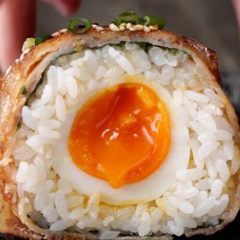 半熟卵がとろーり♪ 大きな肉巻きおにぎり