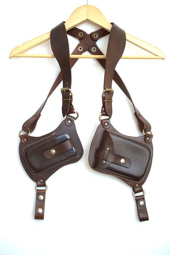 This is a genuine Celyfos ® handcrafted, premium quality leather holster A typical old school leathercraft gun holster platform transformed into an urban wallet holster. THE ULTIMATE MODULAR HOLSTER MODEL : TALOS -Hand Crafted Traditional British bridle leather by J & E Sedgwick. 100%