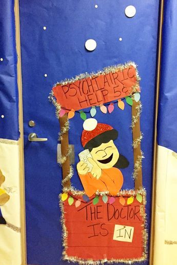 charlie brown snoopy charlie brown door decoration charlie brown christmas charlie brown