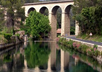 On the way to Fontaine-de-Vaucluse.  Incredible beauty. Reminds me of Georgetown's Key Bridge, WDC where I live.