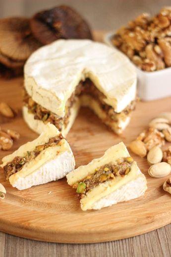 Camembert farci aux noix, pistaches et figues