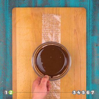 ¡7 geniales decoraciones con chocolate!  #decoracionesconchocolate #comodecorarunpastel #comodecorarunatarta #comodecorarunmuffin #comodecoraruncupcake #figurasdechocolate #mariposadechocolate #huevo de chocolate