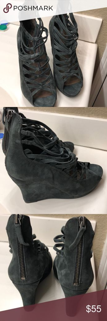 334c3432b8c B Makiwski Grey Wedges New no box excellent deal for some cute wedges b.  makowsky