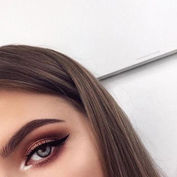 25 Pretty Makeup Looks to Try in 2019