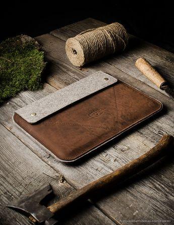 Leather MacBook Pro 13 case, 2018 MacBook Air 13 sleeve, hard case. Brown Crazy Horse Leather, 100% wool felt, New MacBook Pro laptop case