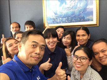 """👡👞Do you know what is the brand of """"Shoe That Breathes""""? Let's guess.😊 #workshop #training #learning #education #nofilter #shoethatbreathes #rpodyssey #learningcenter #pattaya #nakluea #naklua #selfie"""