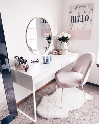 Simple Beauty Station with Round Mirror