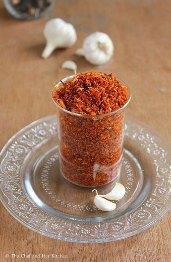 Garlic podi      Ingredients:   1 cup finely sliced Dry Coconut    1/4 cup peeled Garlic cloves or 2 whole Garlic Pods    8 Red Chillies(Spicy Guntur variety)  4-5 Byadige Red Chillies    1 amla sized ball of Tamarind    2 tbsp grated Jaggery(optional)    1 tsp Mustard seeds    3 tbsp Oil    Salt to taste