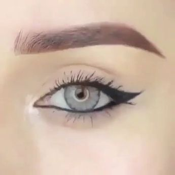Tips for Putting on Eyeliner Correctly
