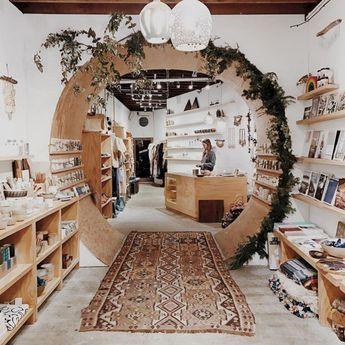 30 Wonderful Retail Display Ideas For Best Inspiration / FresHOUZ.com