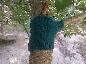 Treesweater - Cabled Version by Erika Barcott on Ravelry