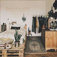 boho hipster bedroom - small space decor idea