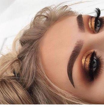 Gold eye makeup and blonde hair | Inspiring Ladies