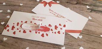 La boutique Rêve De Papier vous propose cette idée cadeau pour offrir à votre conjoint (pour elle ou pour lui) pour offrir joliment votre cadeau de saint Valentin (places pour un concert, une séance massage en duo, un vol en soufflerie, un saut en parachute en duo, une séance photo, un relooking, un
