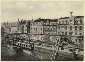 Schwebebahn an der Schloßbleiche auf einer Postkarte von 1932