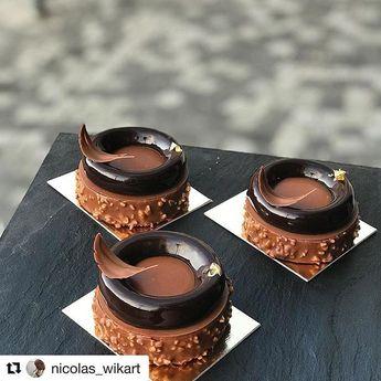 Repost @nicolas_wikart Voici le petit nouveauxbrownie cacahuète fleur de selcrémeux chocolat crème noisettescaramel à la mangue #chocolate #yummy #love #fashion #paris #caramel #noisette #hazelnut #pastry #chef #foodies #foodporn #food #photography #gold #patisserie #texture #cake #instagram #instacake #instafood #mirroir #croquant your photo was shared by: @bakelikeapro #bakelikeaproyoutube votre photo était partagé par #bakelikeapro
