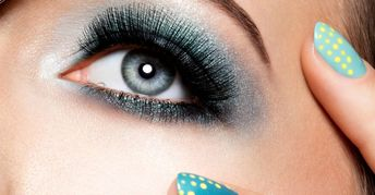 10 Makeup Tips Anyone with Hooded Eyes Should Know - Beth Bender   eye makeup ideas for hooded eyes - Eye Makeup #ideas #eye #EyeMakeup