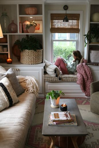 FALL Tour- Bookcase Styling and Color Blocking