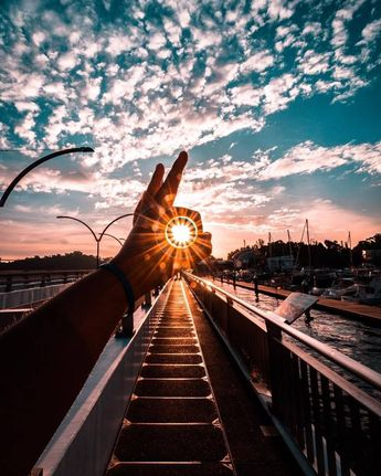 60 Most Amazing Photography examples around the world - Amazing Photos An amazing photography fully expresses your feelings and making people comfortable to pose is a wonderful achievement. Amazing photography is a great challenge for almost all photographers. The right
