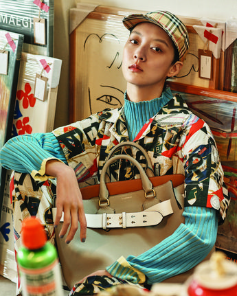 767e2f0b9cb27  SoyoungKang wears the  Burberry Heritage print made new with marker pen  graffiti style text