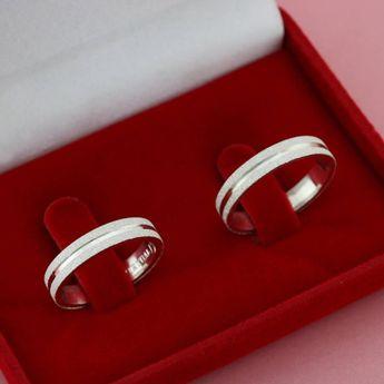 Compre Par Alianças compromisso Prata diamantadas 4mm no Elo7 por R  119,90  com. Alianças Namoro Ouro ... 092d5428d6