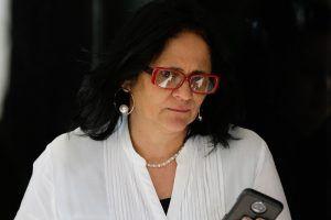 Damares Alves diz que Brasil enfrenta 'epidemia de suicídio'