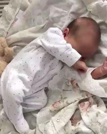 "Cute★Angels on Instagram: ""🅺🅸🅳🆂🅵🅰🆂🅷🅸🅾🅽🅵🅾🆁🅰🅻🅻 💜 cυтeѕт 📸 @lavendels ⋆ ⋆ ⋆ ⋆ ⋆ ⋆ ⋆ #momblogger #momblog #baby #infant #beautiful #babiesofinstagram #beautifulbaby…"""