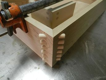 Dowelled mitre joint