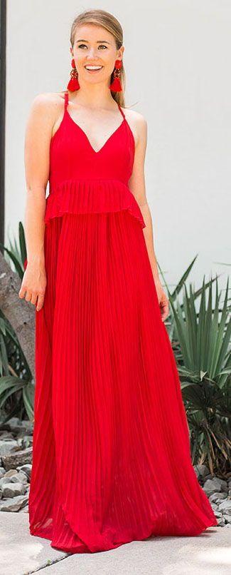 3 affordable wedding looks || LonestarSouthern.com #oneshoulder #dress #redlace #redpleat #dress #weddingguest #blackblockheels
