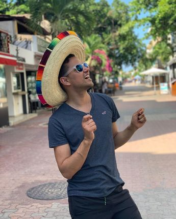 Once in Mexico 🇲🇽 be as a Mexican ...  onceinmexico act as mexican hehe lovely place to be and share moments gay guy aroundtheworld central america mexico beijos