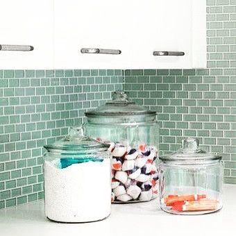 Um jeito charmoso de organizar o sabão na lavanderia #organizesemfrescuras #organização #lavanderia #laundry