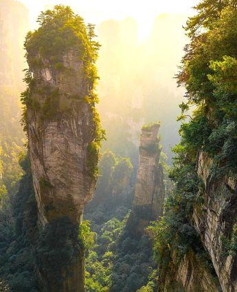 Zhangjiajie National Forest Park, China. Avatar? Photo by @phototravelnomads #earthroulette