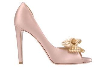 Gorgeous Valentino Shoes! Pearls & blush!