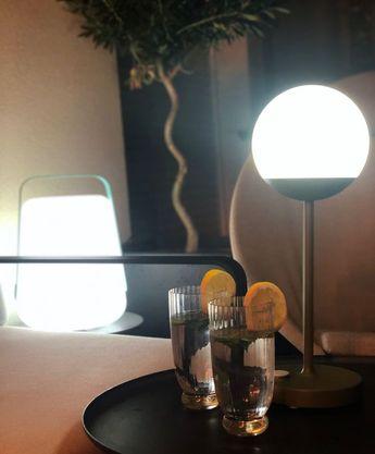 Lampe nomade Mooon! par Fermob balcon parisien