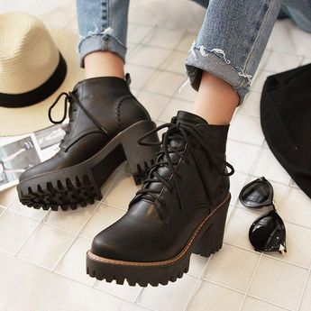 PU Lace-up Daily Round Toe Chunky Boots