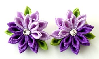 Kanzashi Fabric Flowers. Set of 2 hair clips. Purple and orchid
