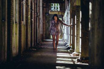 Vanochtend een combinatie van Urbex (Urban exploration) en boudoir gedaan in een verlaten fabriek. Het haar werd gedaan door Evelyn Bökkerink van New-Look uit Meppel. - Nopic Hoax